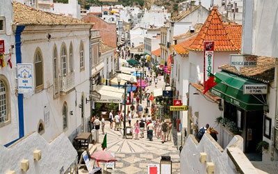 Portugueses vão fazer férias cá dentro