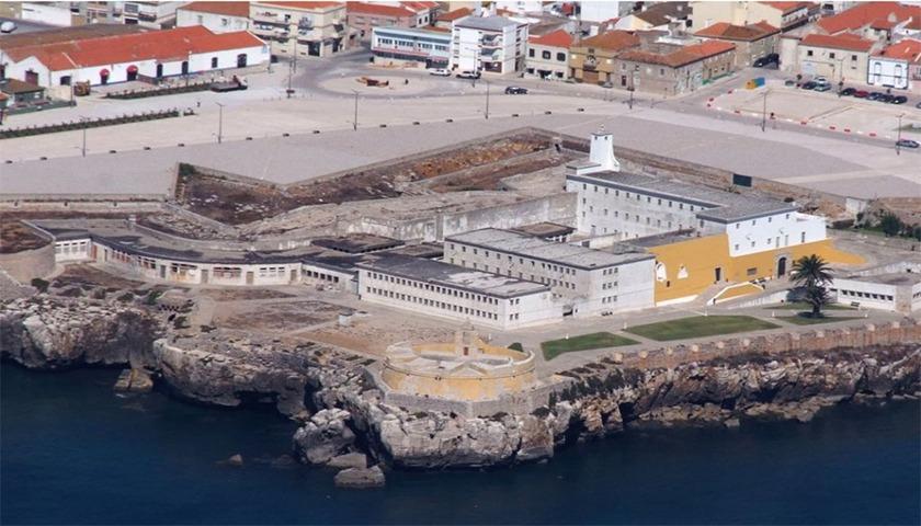 Fortaleza de Peniche não vai ser hotel