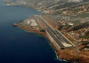 Aeroporto do Funchal continua a cancelar voos